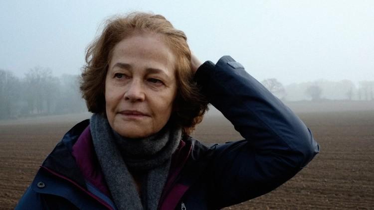 Charlotte Rampling spiller en av sine beste roller i 45 år (Foto: Arthaus).
