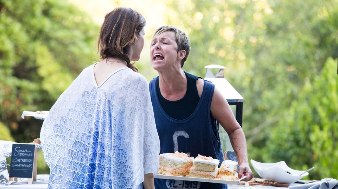 Tammy (Melora Hardin) med et av seriens imponerende regisserte sammenbrudd. Detaljert i plott, rik på følelser og nydelig framført. (Foto: Viaplay, Amazon Content Services LLC. )