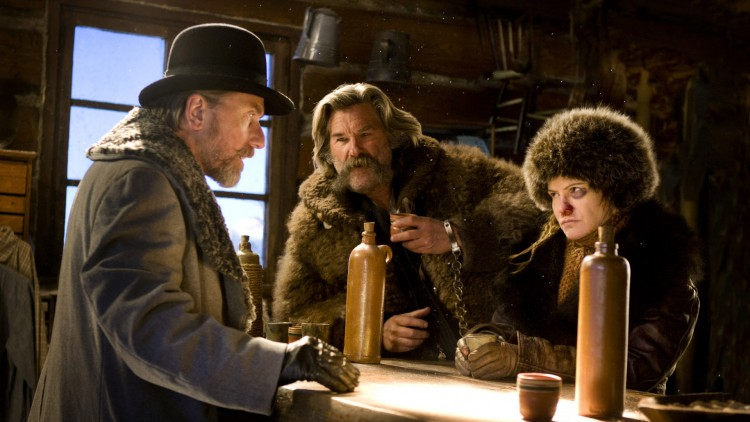 Veteranene Tim Roth, Kurt Russell og Jennifer Jason Leigh i The Hateful Eight (Foto: © 2015 L. Driver Productions, Inc. All Rights Reserved).