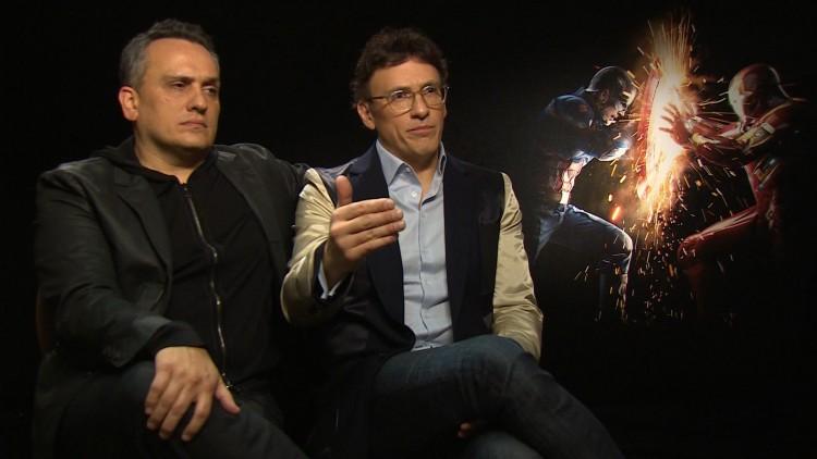 Regissørene Joe og Anthony Russo snakker gladelig om sin andre Captain America-film (Foto: NRK).