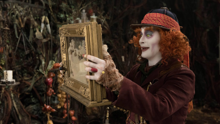 Hattemakeren (Johnny Depp) i Alice Through The Looking Glass (Foto: © 2014 Disney Enterprises, Inc. All Rights Reserved).