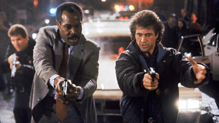 Det var Shane Black som skrev manuset til de to første Dødelig våpen-filmene med Mel Gibson og Danny Glover (Foto: Warner Bros.).