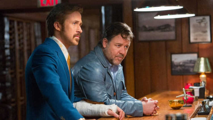 Privatdetektivene Holland March (Ryan Gosling) og Jackson Healy (Russell Crowe) leter etter savnet jente i The Nice Guys (Foto: SF Norge AS).