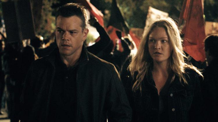 Matt Damon og Julia Stiles gjenforenes i Jason Bourne (Foto: United International Pictures).