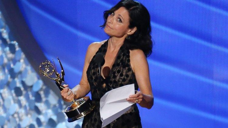 Julia Louis-Dreyfus fikk prisen for beste kvinnelige hovedrolle i en komiserie for femte året på rad. (Foto: REUTERS/Mike Blake, NTB Scanpix).