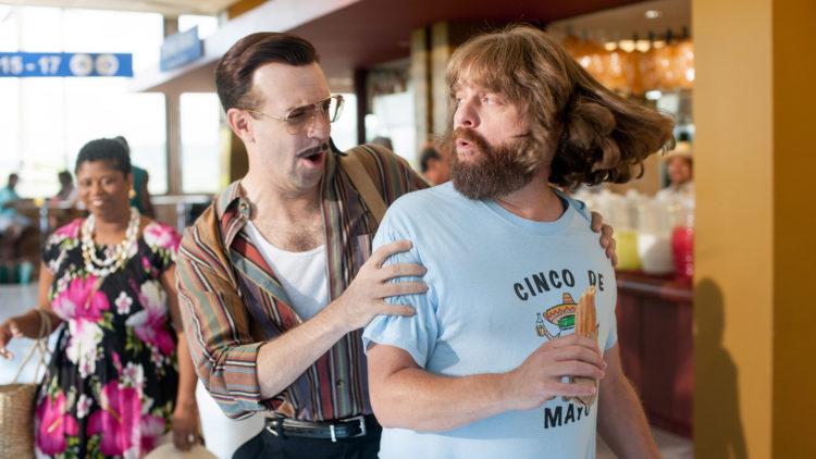 Jason Sudekis spiller leiemorder som skal knerte Zach Galifianakis sin figur i Masterminds. (Foto: Nordisk Film Distribusjon AS)