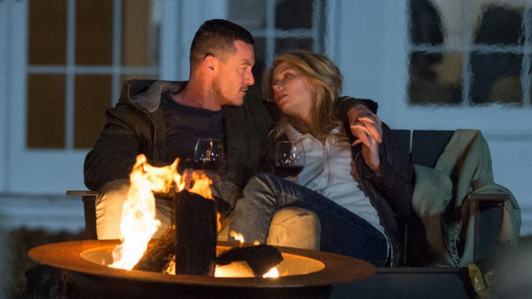Luke Evans og Haley Bennett i The Girl on the Train. (Foto: Nordisk Film Distribusjon AS)