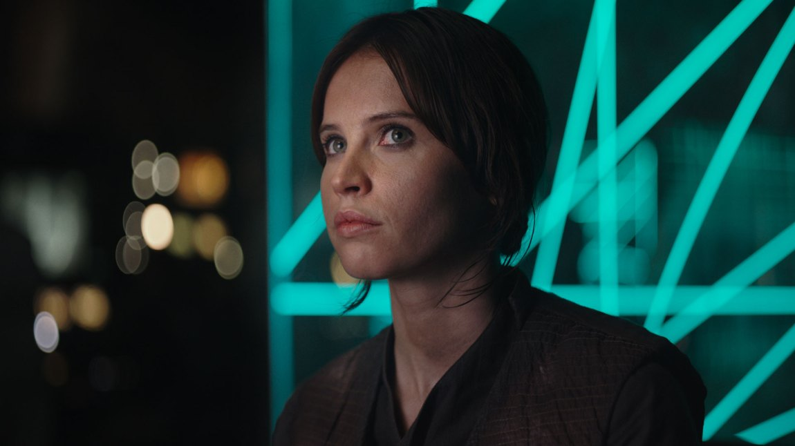 Felicity Jones spiller Jyn Erso i Rogue One: A Star Wars Story (Foto: The Walt Disney Company Nordic, Lucasfilm Ltd.)