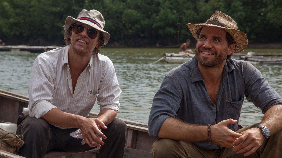 Det er gode tilløp i samspillet mellom Matthew McConaughey og Edgar Ramírez, men tonen blir stadig avbrutt i en film som er både tam og full av slitte formgrep. (Foto: Norsk Filmdistribusjon)