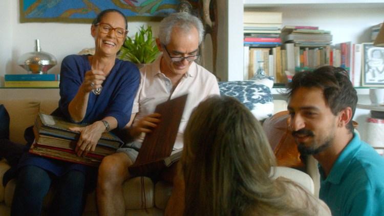 """Clara (Sonia Braga) er et sentralt midtpunkt for flere familiemedlemmer i """"Aquarius"""". (Foto: AS Fidalgo)"""