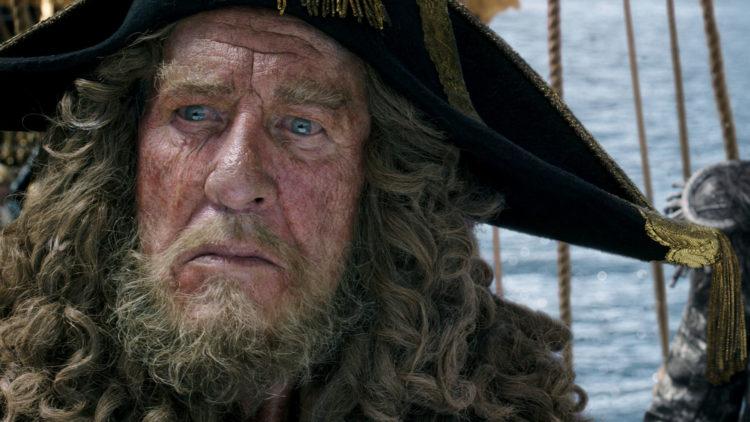 Geoffrey Rush leverer filmens beste rolleprestasjon som kaptein Hector Barbossa. (Foto: The Walt Disney Company Nordic)