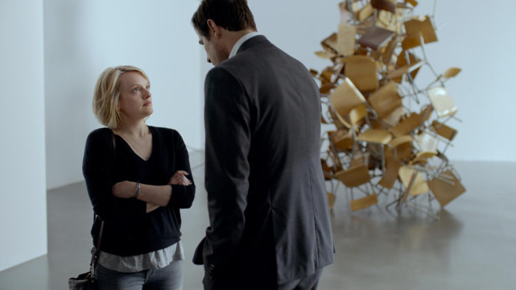 "TV-reporteren Anne (Elisabeth Moss) konfronterer kuratoren Christian (Claes Bang) i ""The Square"". (Foto: Arthaus)"