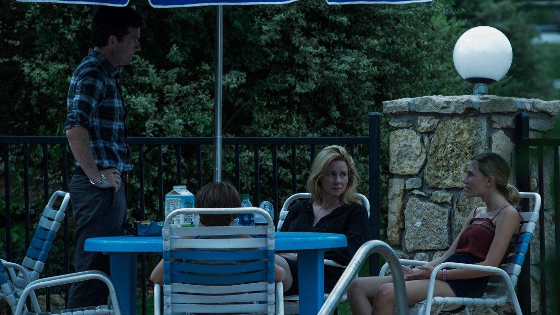 Det blir lite husfred for familien Byrde når de flytter til Ozarks rimelig forbrytertunge nabolag. (Foto: Netflix)