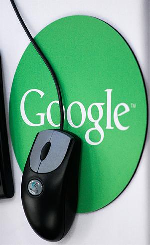 Google skal være blant de «flinkere» i klassen og jobber stadig med nye metoder for å stoppe nettpiratene. Foto: NTB Scanpix / Mark Lennihan, AP Photo.