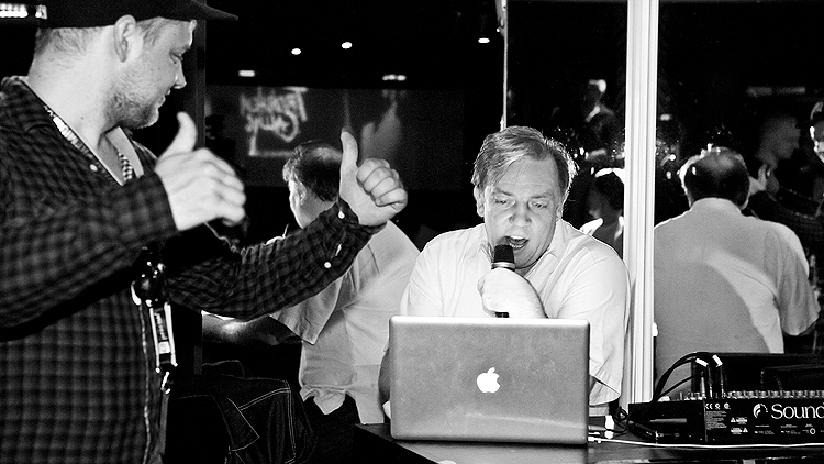 Paul Kennedy under fjorårets Song:Expo sammen med Eirik Johansen (til venstre). Foto: Ane Aspén.