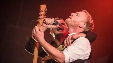 Janove Ottesen og Terje Winterstø Røthing under konserten i DNB Arena. (Foto: Kim Erlandsen, NRK P3)