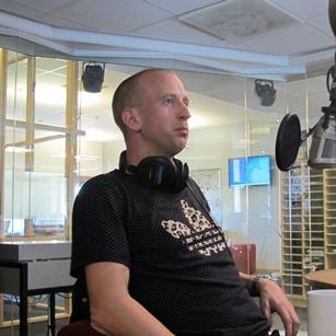 Gunnar Greve Pettersen var gjest i låtpanelet til Christine førre fredag, og likte ikkje Dreamon sin siste singel  (Foto: Ida Bendiksen Skovold/NRKP3)