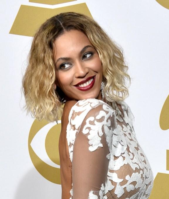 """Beyoncé fremførte låta """"Drunk in Love"""" med Jay Z under nattens Grammy show. Nå gjenstår det å se hvilke nominasjoner hun høster til neste års Grammy Awards (Foto: Frazer Harrison/Getty Images/AFP)"""