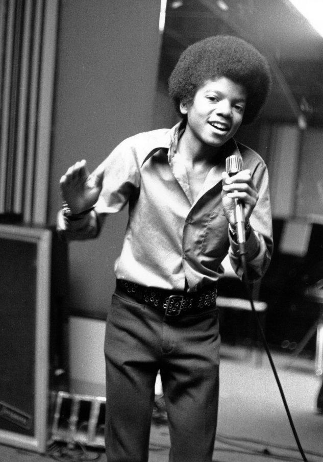Michael Jackson i 1972, her som 13-åring i Jackson-familiens hjem i Encino, California. Foto: AP