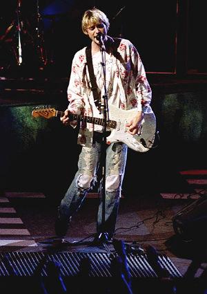 Kurt Cobain avbildet på MTV Music Awards i 1992. Foto: NTB Scanpix, Reuters, Lee Celano