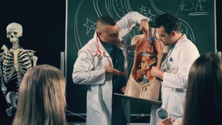 """Erik og Kriss i """"Hvis du vil ha meg""""-videoen. Skjermdump, YouTube"""