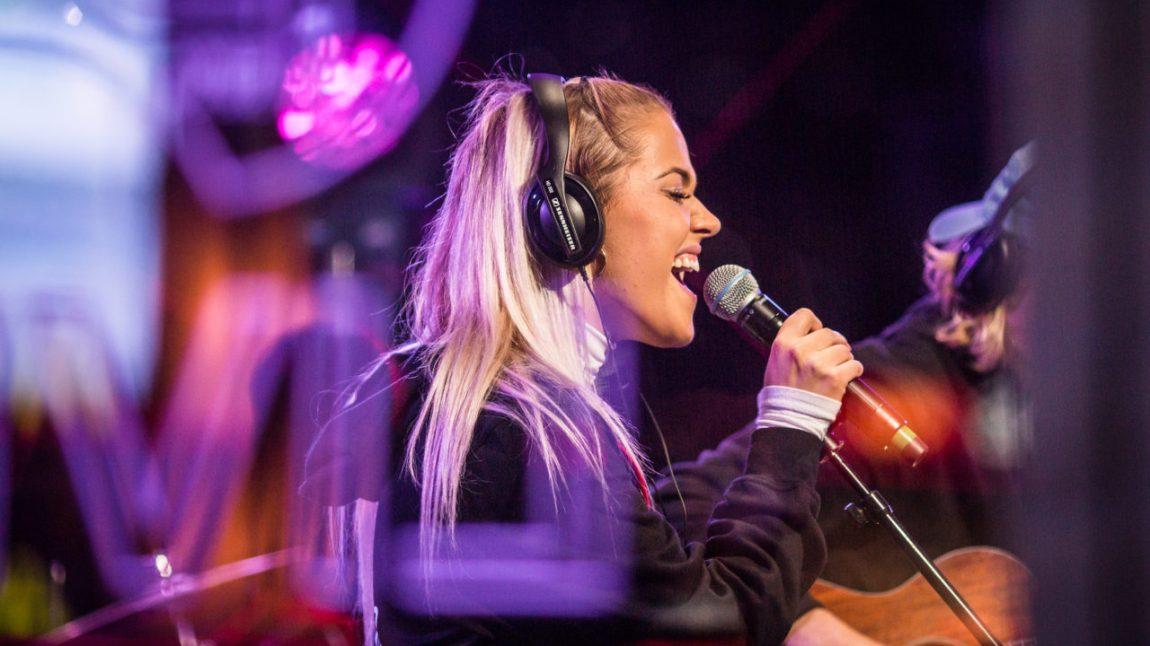 Julie Bergan er nominert til Årets låt. Foto: Tom Øverlie, NRK P3