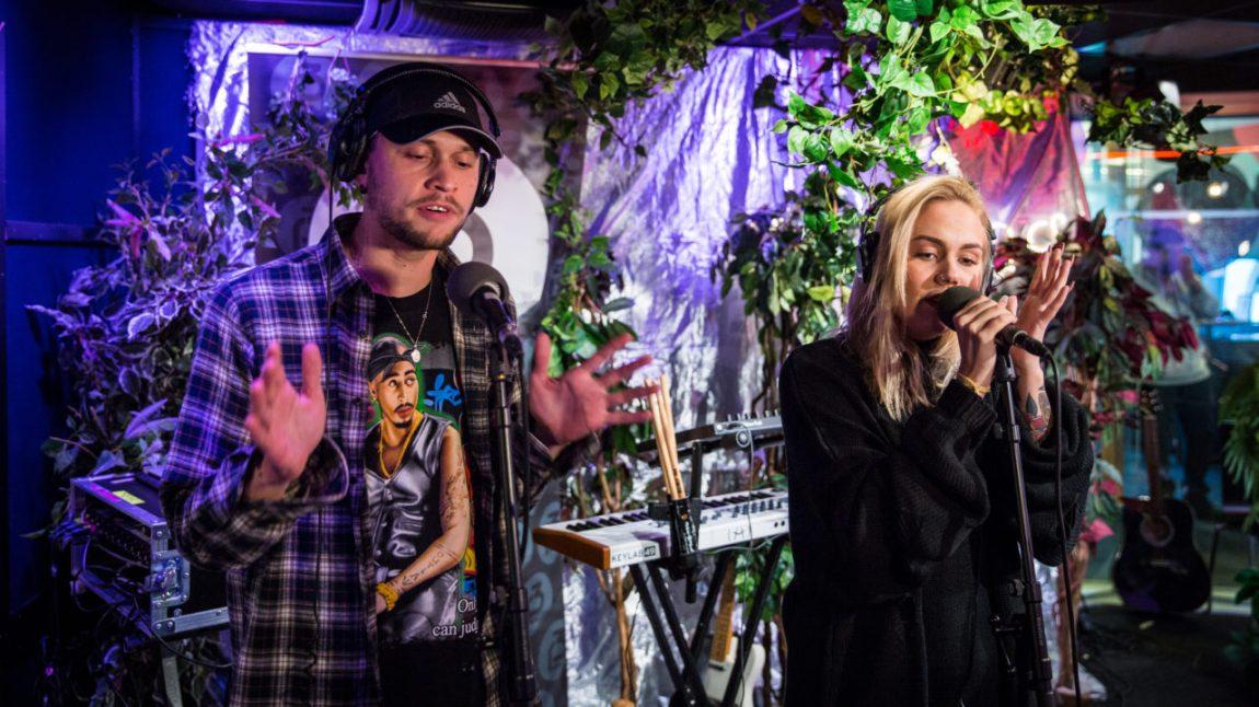"""Unge Ferrari og Tomine Harket sin """"Nostalgi3Millioner"""" er nominert til Årets låt. Foto: Tom Øverlie, NRK P3"""