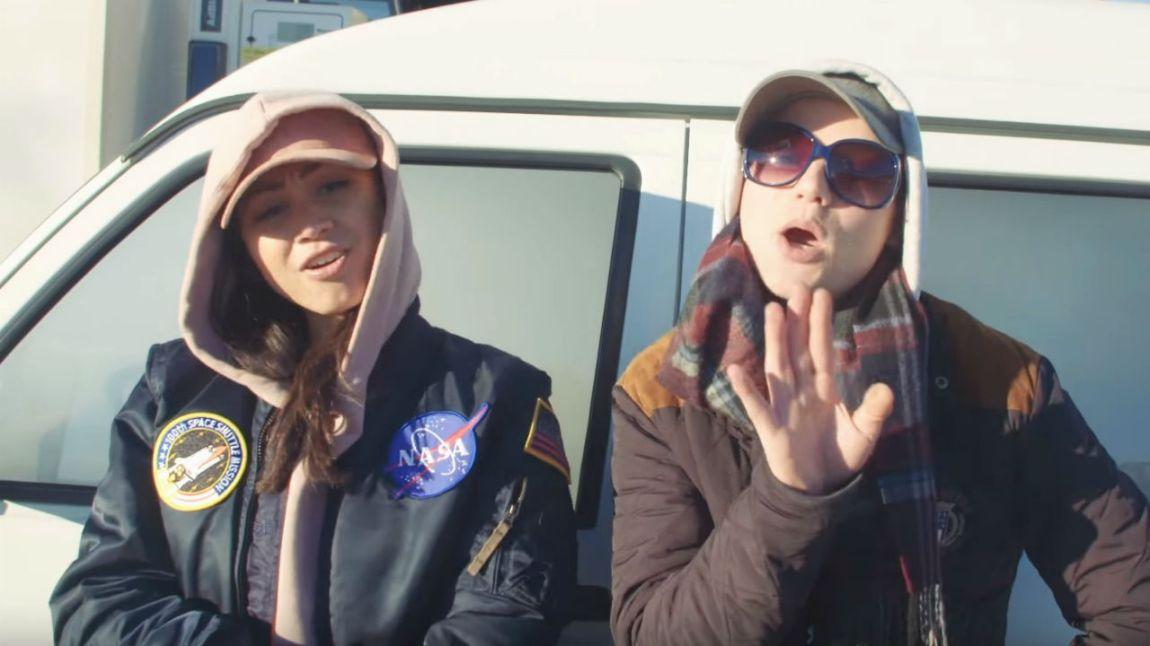 """Linda VIdala og King Skurk One i """"Bængshot""""-videoen. Skjermdump, Youtube"""