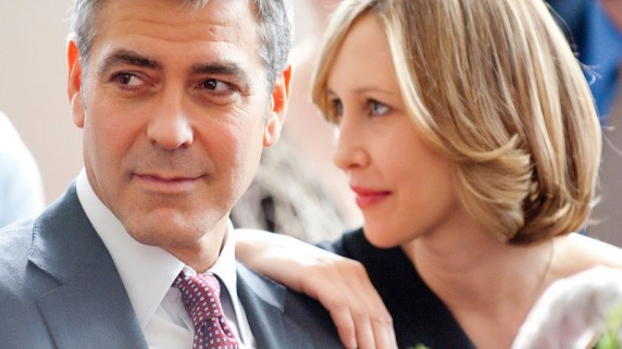 "George Clooney og Vera Farmiga i ""Up in the air"" (Foto/Copyright: United International Pictures)."