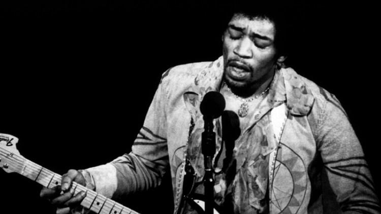 Jimi Hendrix (foto: REUTERS/COPYRIGHT AMALIE R. ROTHSCHILD/THE BETTMANN ARCHIVE)