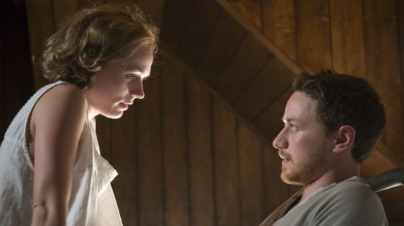 Kerry Condon og James McAvoy i The Last Station (Foto: Walt Disney Studios Motion Pictures Norway)