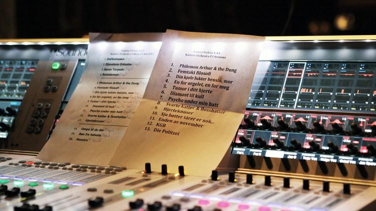 Kaizers' P3sessions-set list. (Foto: Tom Øverlie, NRK P3)