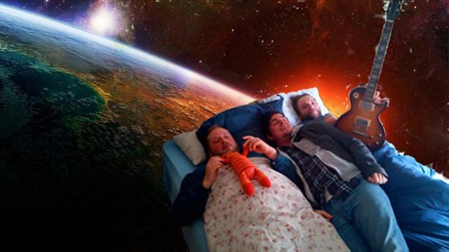 Kirketid tar deg med til det ytre rom? Du trenger ikke stå opp av senga en gang. (Foto: privat)