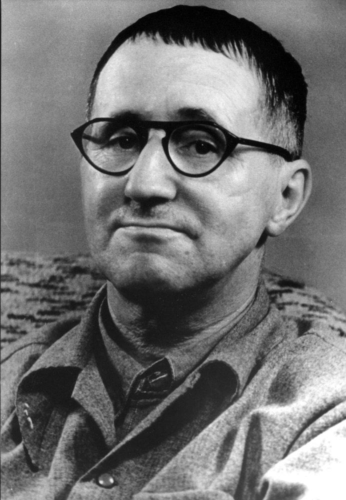 """""""Suppe, såpe og frelse"""" Bertolt Brechts Jeanne d'Arc var medlem i Frelsesarmeen (Foto: Scanpix)"""