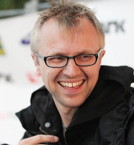 """Tv-sjefen i P3 UNG er svært fornøyd med seertallene på premieren av """"Typen til"""". (Foto: Kim Erlandsen,  NRK P3)"""