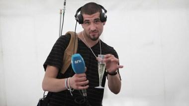 Leo Ajkic var reporter for Banden (Foto: NRK)