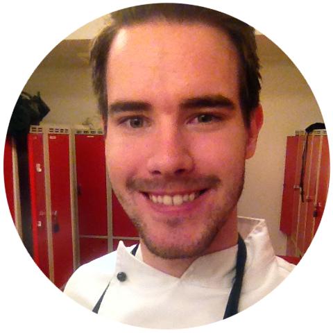 Svein Henrik er veldig fornøyd med å være en del av Norges mest kompliserte familie.