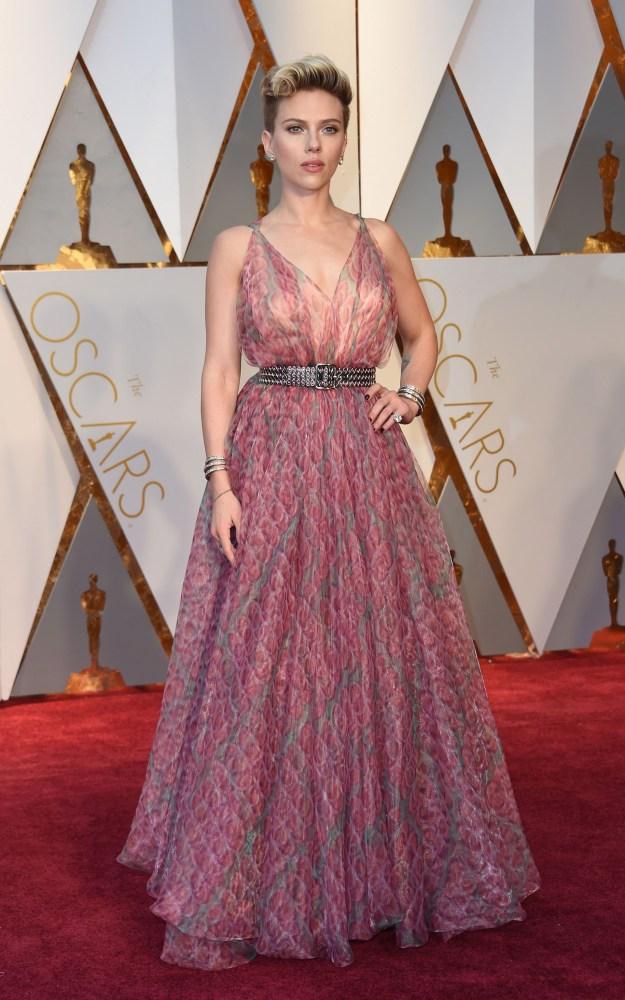 Scarlett Johansson i duse farger. AFP/NTB Scanpix
