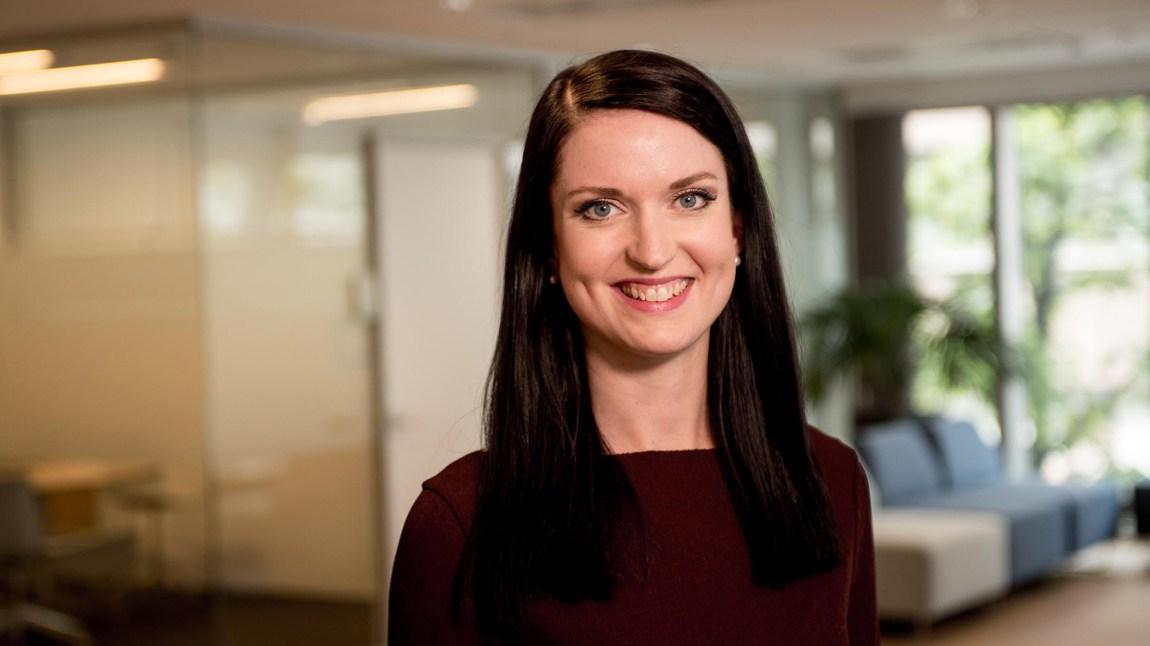 Forbrukerøkonom Anne Motzfeldt gir sine beste økonomiråd til studenter. Foto: Espen Sturlason/ Danske Bank.