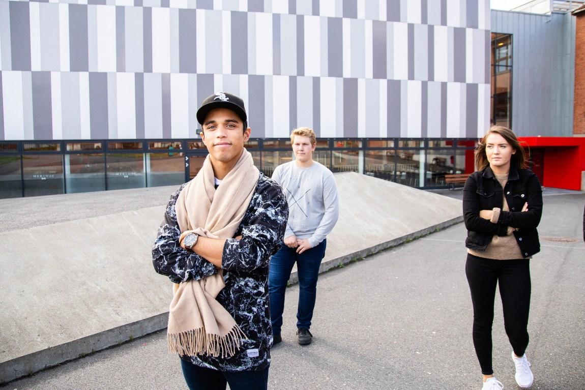 Guttene får et forsprang i ledereksperimentet til Jan Ketil Arnulf. Foto: Xueqi Pang/NRK