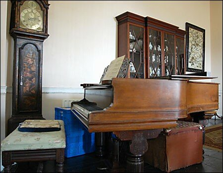 drawing_room__piano_450x350