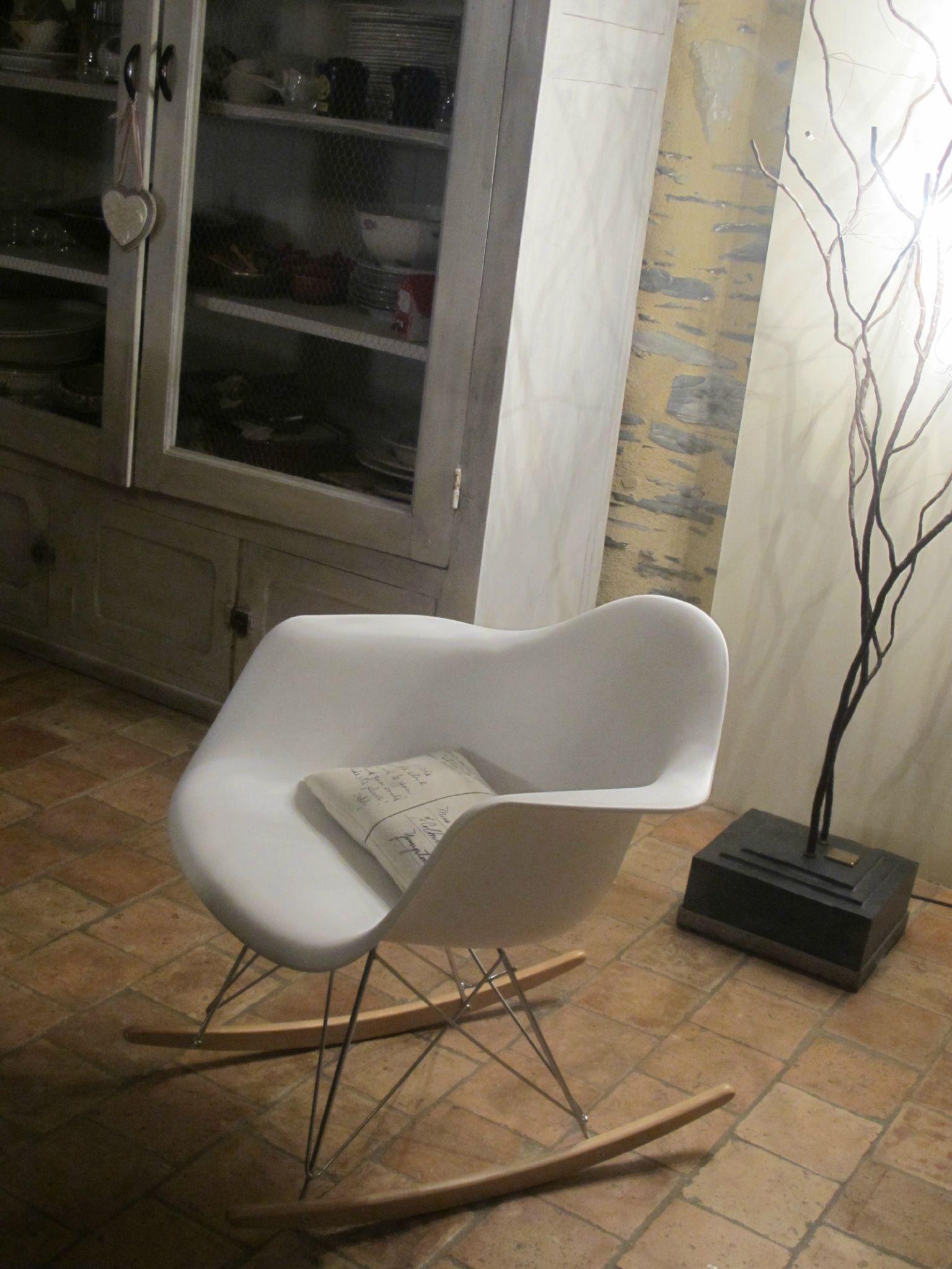 Rocking Chair EAMES RAR Bricole Et Casserole