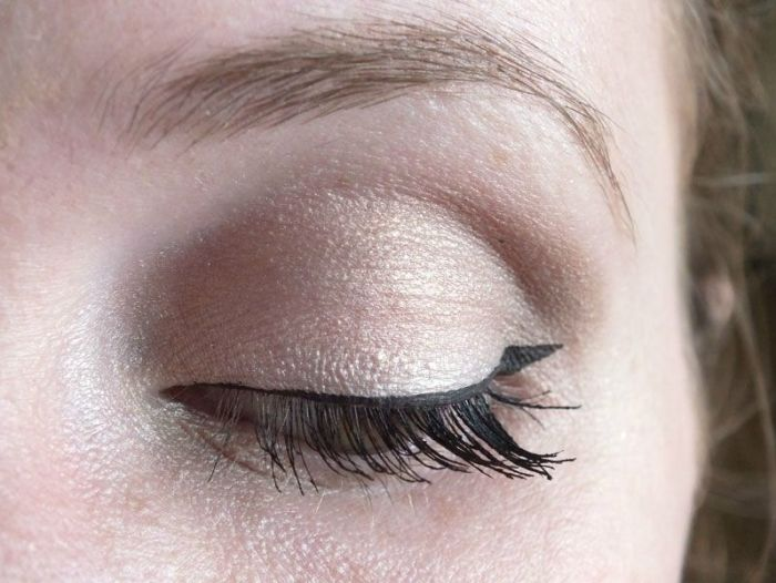 mascara-bourjois-volume-glamour-max-brosse-cils-test-swatch-maquillage-makeup-yeux (8)