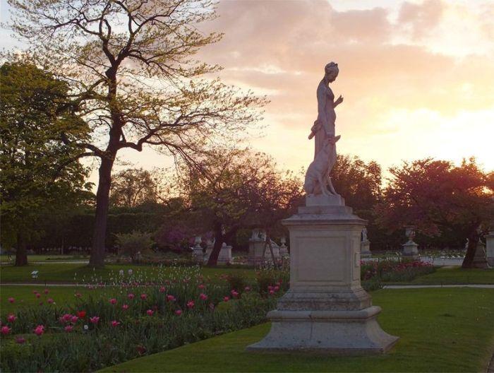 Paris-France-jardin-des-tuileries-louvres (9)
