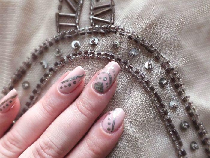 nailsorming-vetements-robe-promod-broderies-elf-rose-pale-dean-nailmatic (3)