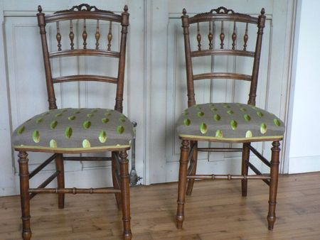 paire de chaises de style louis xvi un