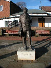 Conan_Doyle_statue