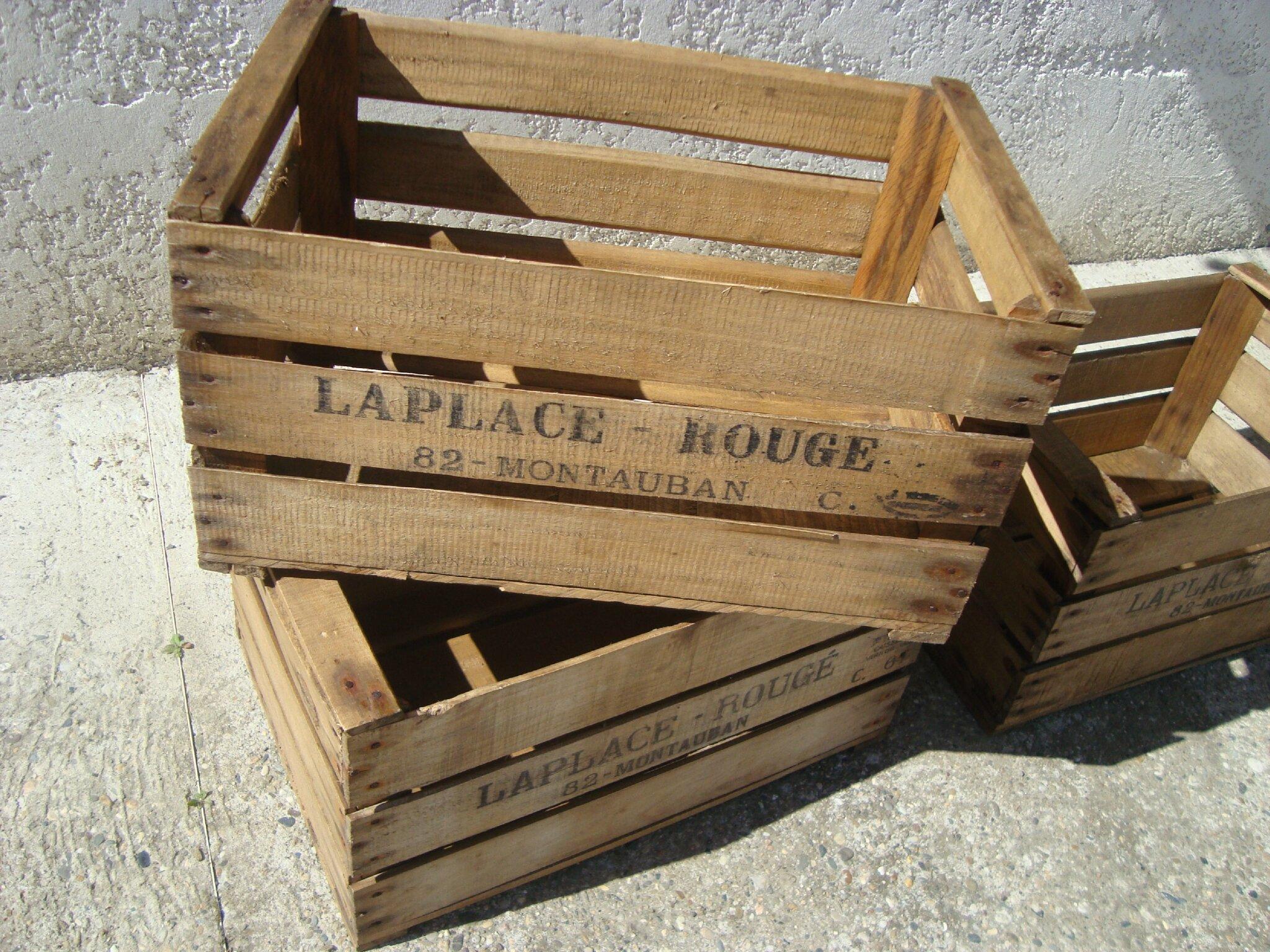 vieille caisse en bois en jardiniere