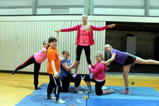 Pyramiden im Sportunterricht an der Jeetzeschule 4