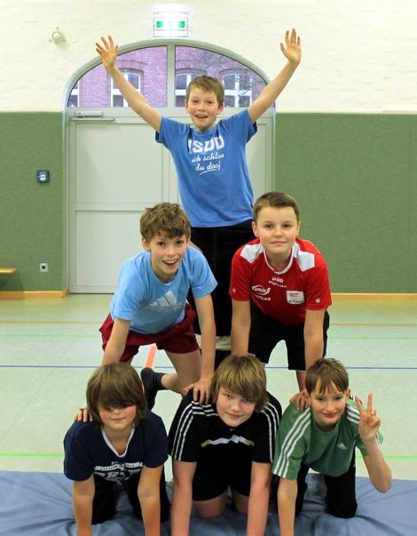 Pyramiden im Sportunterricht an der Jeetzeschule 6